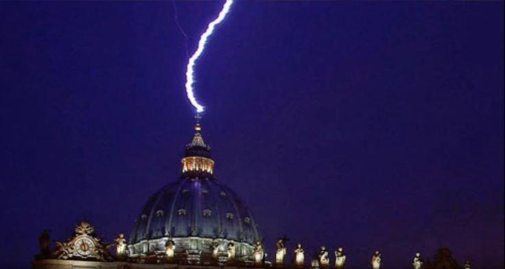 lightning_st_peters